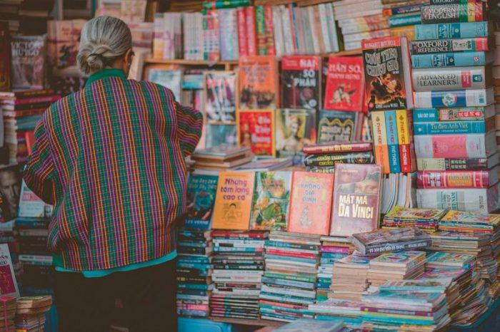 Bisnis Jual Beli Buku Bekas